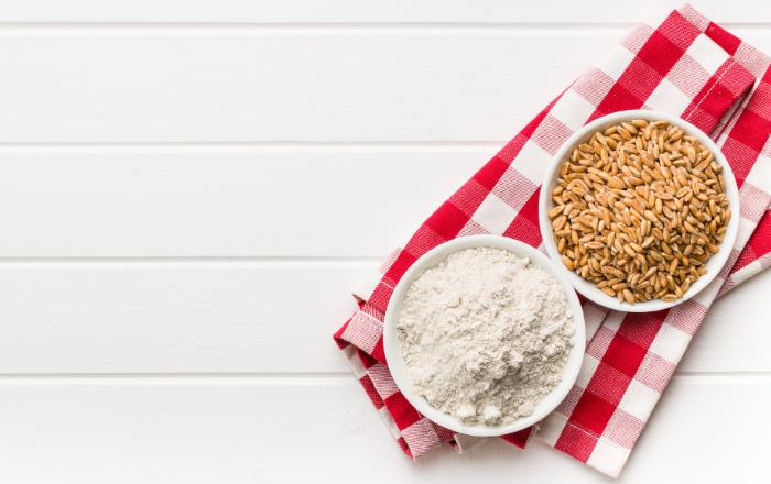 全粒粉がダイエットに良い理由とは?小麦粉より多いビタミンとミネラル、PFCの違いもお伝えします。