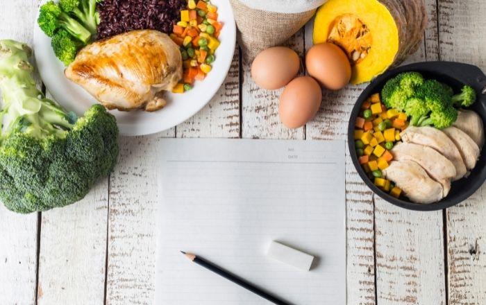 糖質制限と脂質制限、痩せるのはどっち?